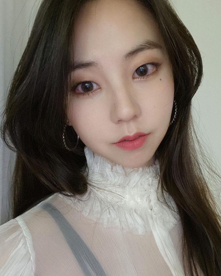 Sohee Launches Online Flea Market, Donates All Sales Profit To Teens In Need Of Protection Services