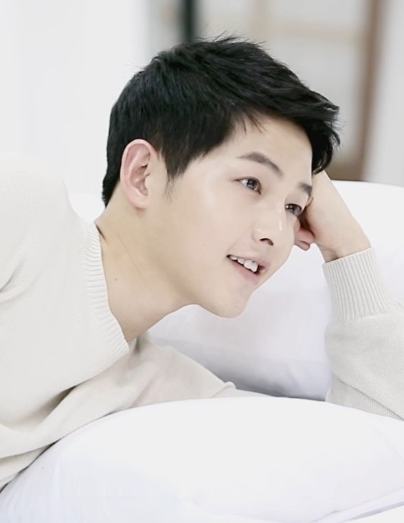 Song Joong Ki Celebrates Hearts' Day By Opening Instagram Account