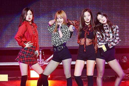 BLACKPINK's Rosé Picks Her Favorite Outfit; K-Pop Idols Likes Jennie's English Skills